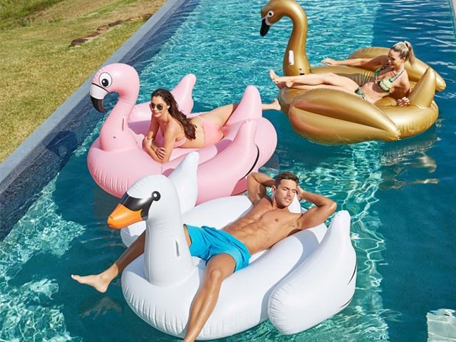 Customized Giant Inflatable Water Toys PVC Inflatable Swan Pool Float  BY WT 005