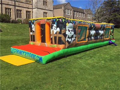 Wonderful inflatable obstacle course halloween theme