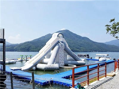 Giant Aquaglide Inflatable Water Park , Inflatable Water Assault Course With EN15649 BY-IWP-015